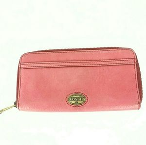 FOSSIL LEATHER WALLET EUC!